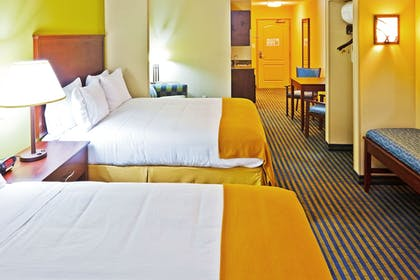 Guestroom   Holiday Inn Express Hotel Ooltewah Springs-Chattanooga