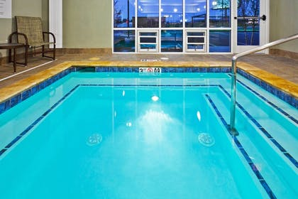 Pool   Holiday Inn Express Hotel Ooltewah Springs-Chattanooga