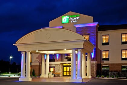 Featured Image   Holiday Inn Express Hotel & Suites Franklin