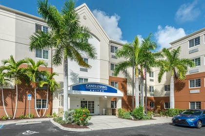 Featured Image   Candlewood Suites Fort Myers Sanibel Gateway
