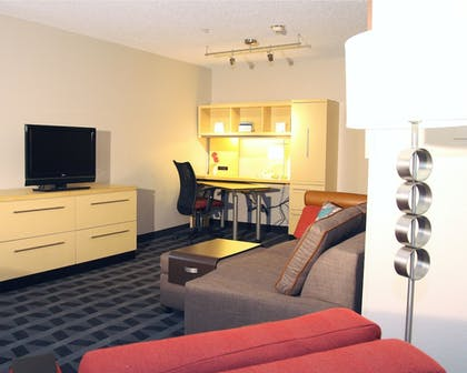 Living Area | TownePlace Suites by Marriott Albany Downtown/Medical Center