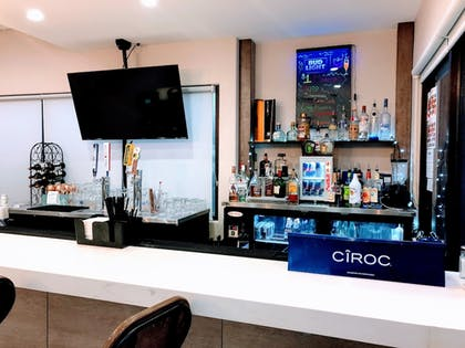 Hotel Bar | Holiday Inn Brownsville