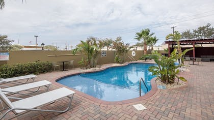 Pool | Holiday Inn Brownsville