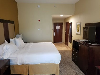 Guestroom   Holiday Inn Express & Suites Gulf Shores