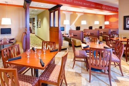 Restaurant | Holiday Inn Hotel & Suites Memphis - Wolfchase Galleria