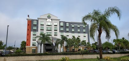 Front of Property | Holiday Inn Express & Suites, International Drive