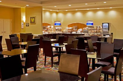 Restaurant | Holiday Inn Express & Suites, International Drive