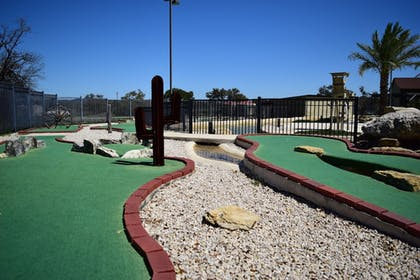 Mini-Golf | Flying L Ranch Resort