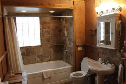 Bathroom | Flying L Ranch Resort