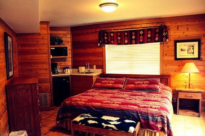 Guestroom | Flying L Ranch Resort