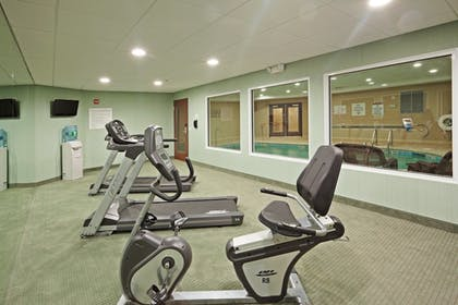 Fitness Facility | Holiday Inn Express Hotel & Suites Meriden