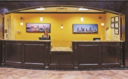 Lobby | La Quinta Inn & Suites by Wyndham DFW Airport West - Bedford
