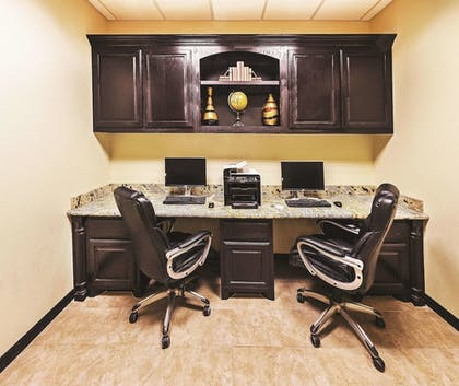 Business Center | La Quinta Inn & Suites by Wyndham DFW Airport West - Bedford