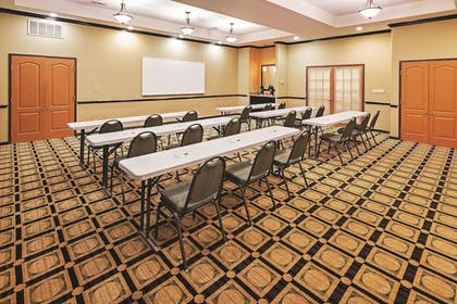 Meeting Facility | La Quinta Inn & Suites by Wyndham DFW Airport West - Bedford