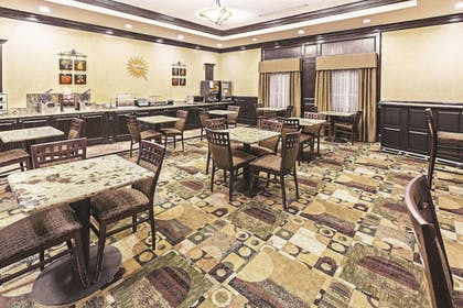 Property Amenity | La Quinta Inn & Suites by Wyndham DFW Airport West - Bedford
