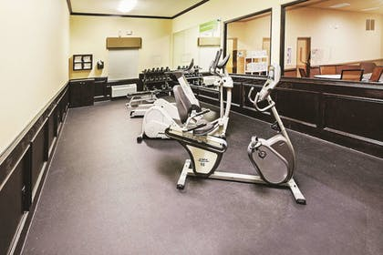 Fitness Facility | La Quinta Inn & Suites by Wyndham DFW Airport West - Bedford
