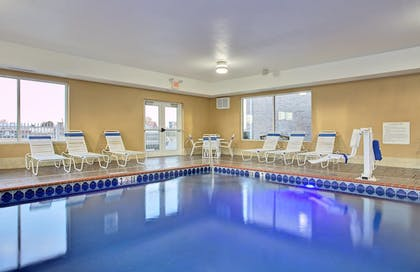 Pool   Holiday Inn Express & Suites Somerset Central