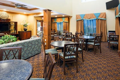 Lobby Lounge   Holiday Inn Express & Suites Somerset Central