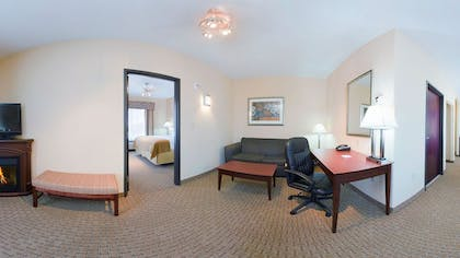Living Area | Holiday Inn Express Hotel & Suites GUYMON