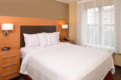 Guestroom | TownePlace Suites by Marriott Sacramento Roseville
