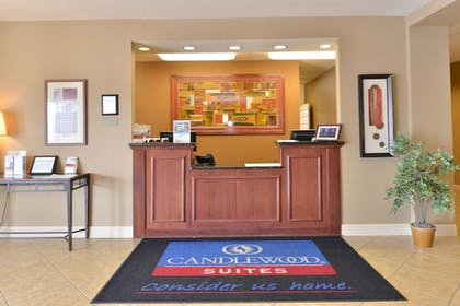 Lobby | Candlewood Suites Springfield North