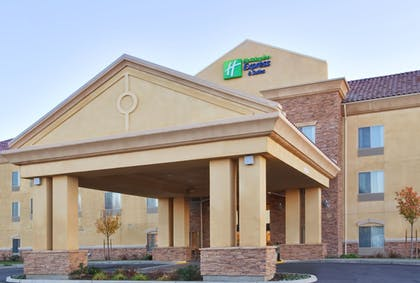 Exterior | Holiday Inn Express Hotel & Suites Merced