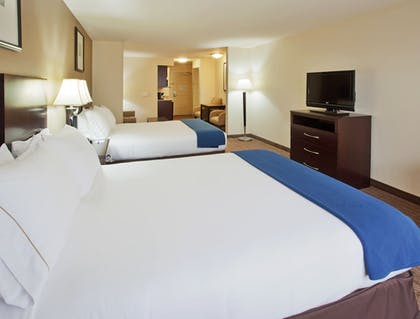 Guestroom | Holiday Inn Express Hotel & Suites Merced