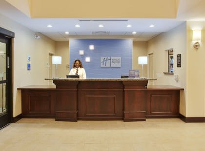 Lobby | Holiday Inn Express Hotel & Suites Merced