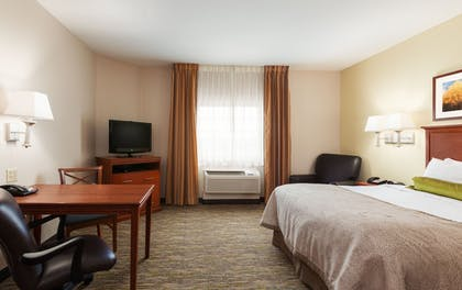 Guestroom | Candlewood Suites Lake Jackson Clute