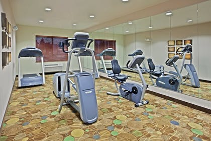 Fitness Facility | Holiday Inn Express Hotel & Suites Vancouver Mall