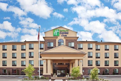 Featured Image | Holiday Inn Express Hotel & Suites Vancouver Mall