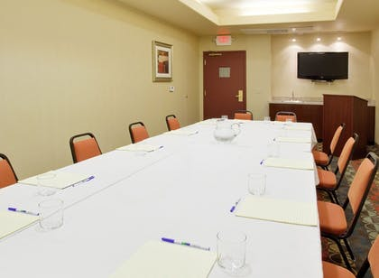 Meeting Facility | Holiday Inn Express Hotel & Suites Dinuba West