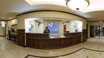 Lobby | Holiday Inn Express Hotel & Suites Dinuba West