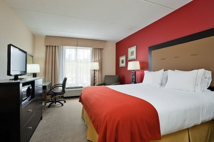 Guestroom | Holiday Inn Express Hotel & Suites Kodak East - Sevierville