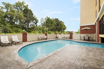 Pool | Holiday Inn Express Knoxville-Clinton