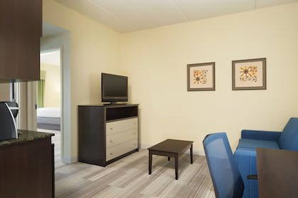 Guestroom | Holiday Inn Express Knoxville-Clinton