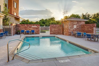 Sports Facility | TownePlace Suites by Marriott Fayetteville North