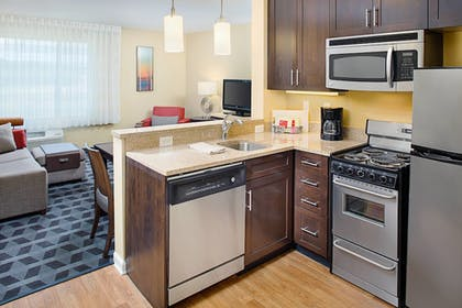Guestroom | TownePlace Suites by Marriott Fayetteville North