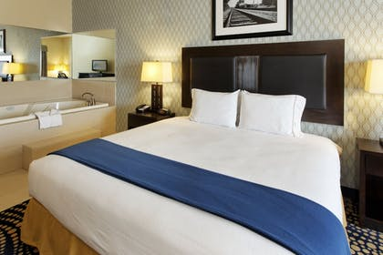 Guestroom | Holiday Inn Express Hotel & Suites Weatherford