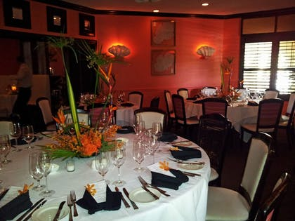 Dining | The Caribbean Court Boutique Hotel