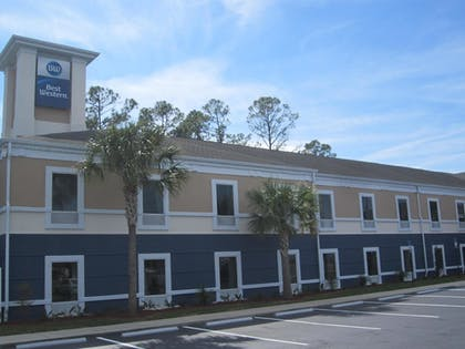 Hotel Front | Best Western Waldo Inn and Suites