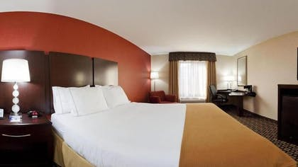 Guestroom | Holiday Inn Express Hotel & Suites Crawfordsville