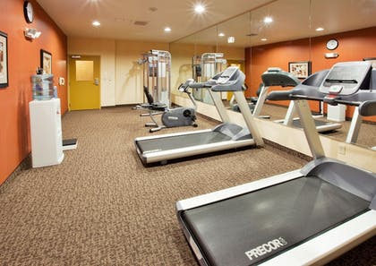 Fitness Facility | Holiday Inn Express & Suites Willows
