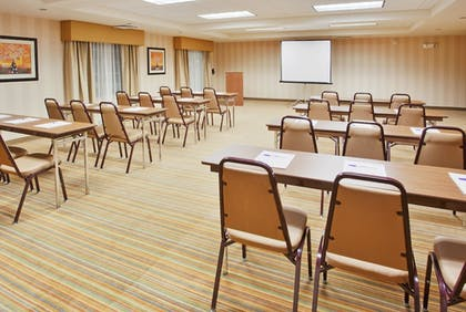 Meeting Facility | Holiday Inn Express & Suites Willows
