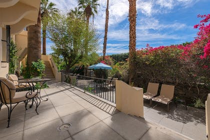 Terrace/Patio | The Willows Historic Palm Springs Inn