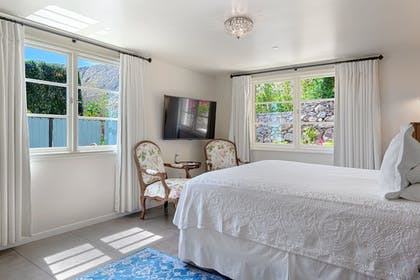 Guestroom | The Willows Historic Palm Springs Inn