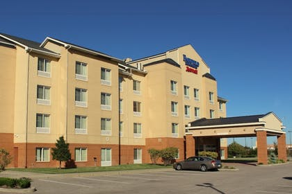 Hotel Front | Fairfield Inn & Suites Seymour