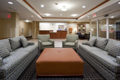 Lobby | Candlewood Suites PARACHUTE