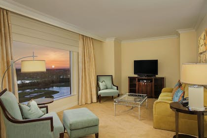 | Waldorf Suite Disney View + Deluxe Double Queen - Disney View | Waldorf Astoria Orlando