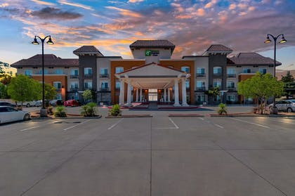 Exterior | Holiday Inn Express Hotel & Suites Banning